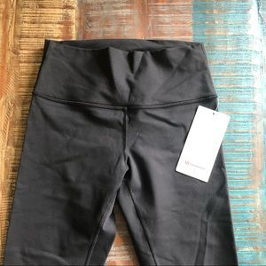 Lululemon Wunder Under Capri NWT